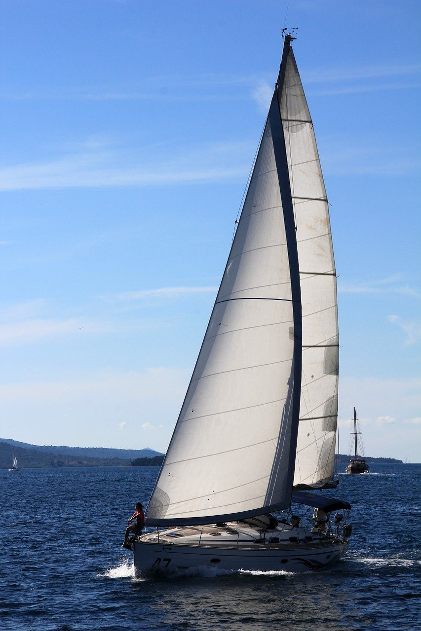 sailing-vessel-1473282_1280 (1)